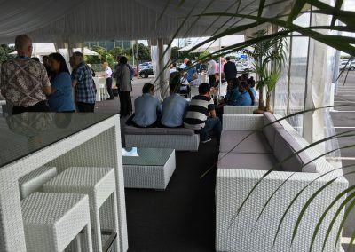 9m-premium-marquee-with-white-rattan-furniture