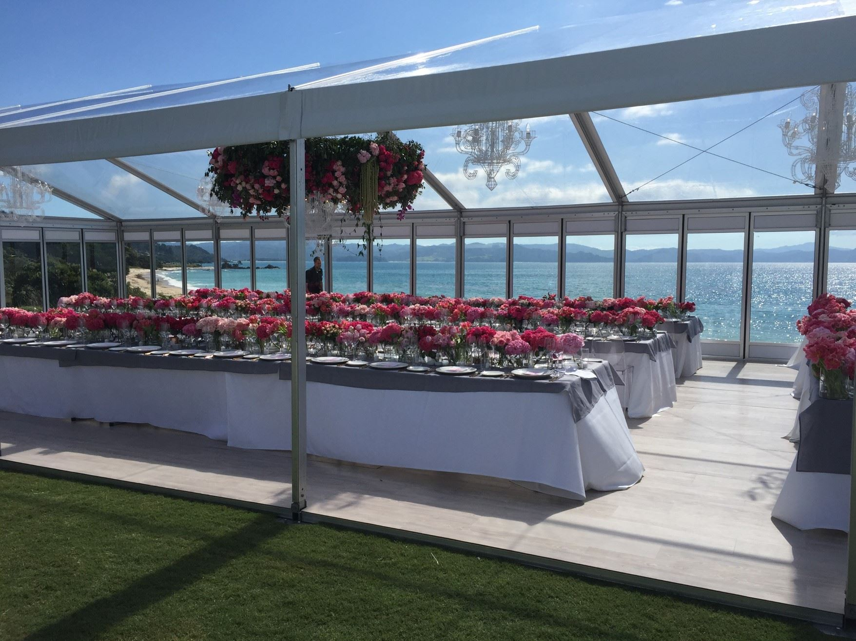 9m x 18m VIP Marquee with Clear Roof